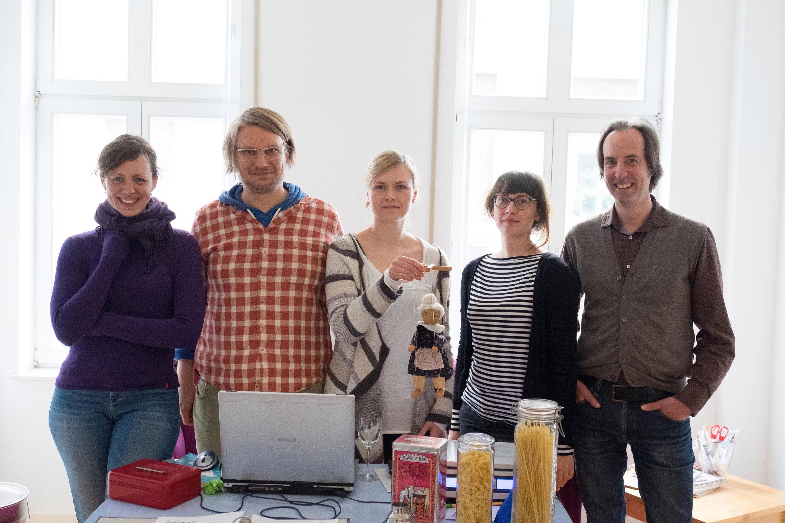 Команда проекта «Tante Lemi» (продуктовый магазин). Фото Кристиана Вебера.