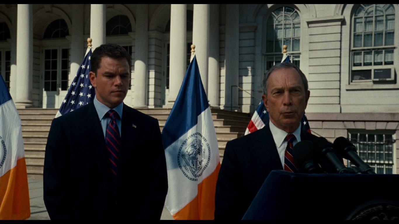 0:02:05. Норрис, как конгрессмен от Бруклина, стоит за мэром Нью-Йорка Майклом Блумбергом. Согласно внутренней хронологии