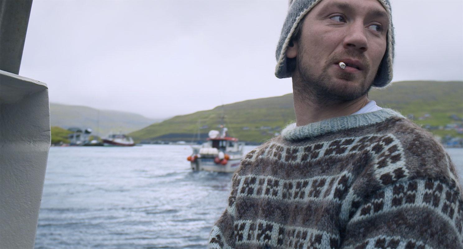 <b><i>Кадр из фильма«Острова и киты» </i></b>