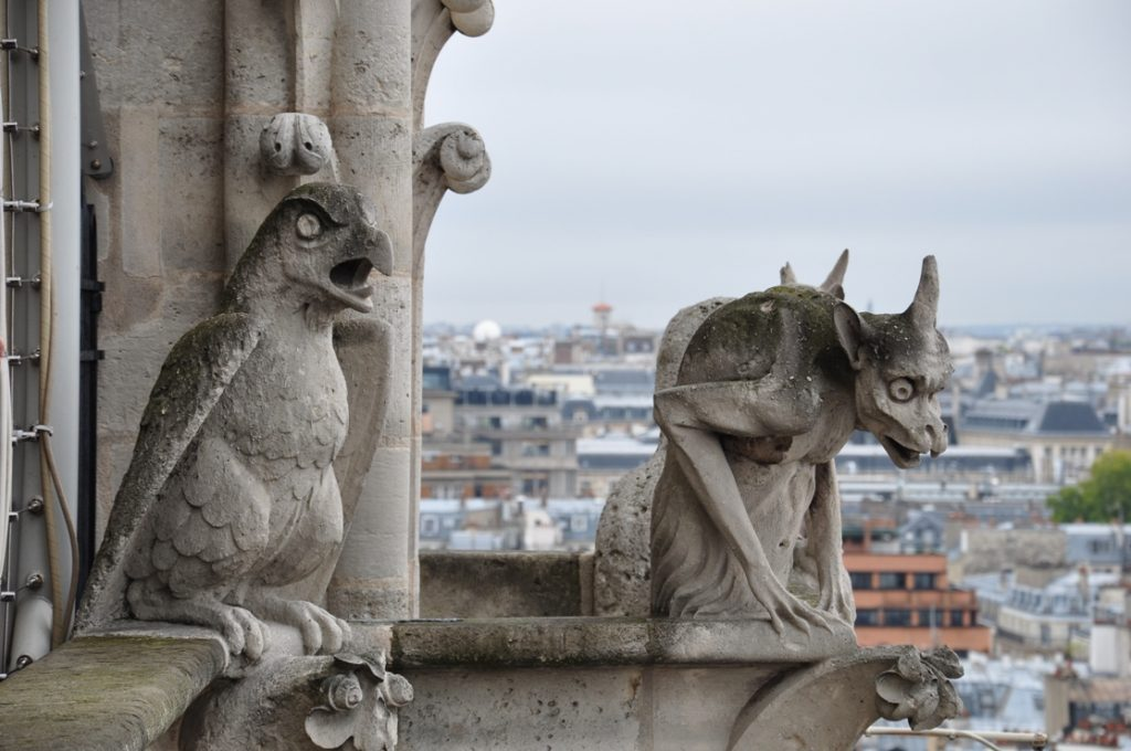 Рис.2 Гаргульи собора Парижской Богоматери