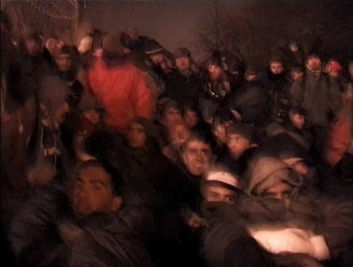 Лаура Ваддингтон. Граница, 2004, кадр из видео