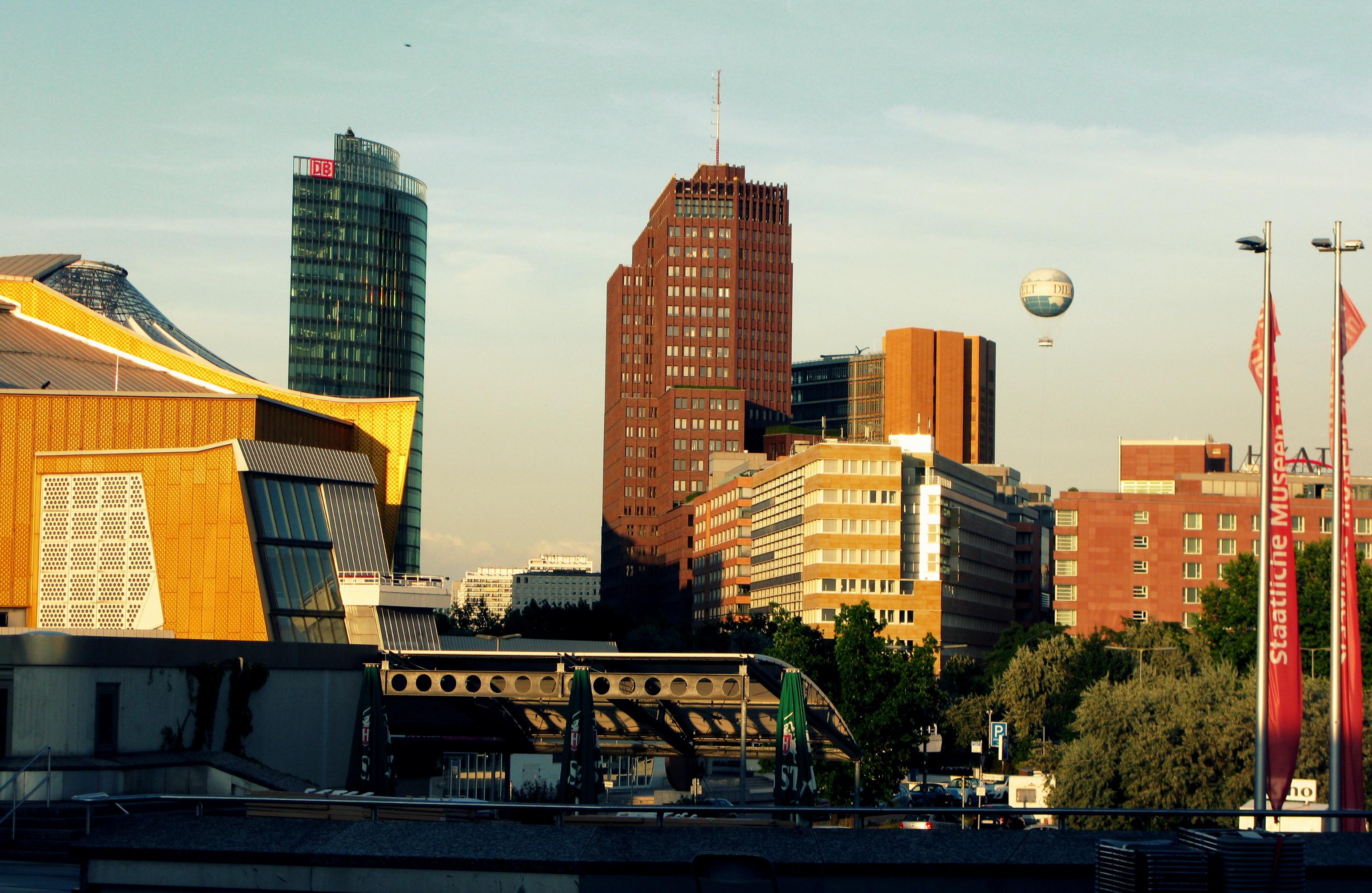 Вид на Potsdamer Platz со стороны Берлинской филармонии. Фото автора