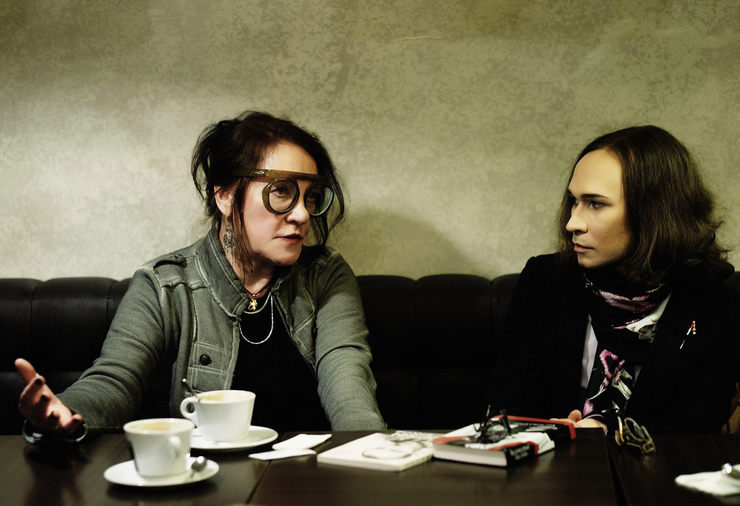 Маруся Климова и Нестор Пилявский говорят о недобром, недолговечном и неразумном. Фото Раисы Канаревой.