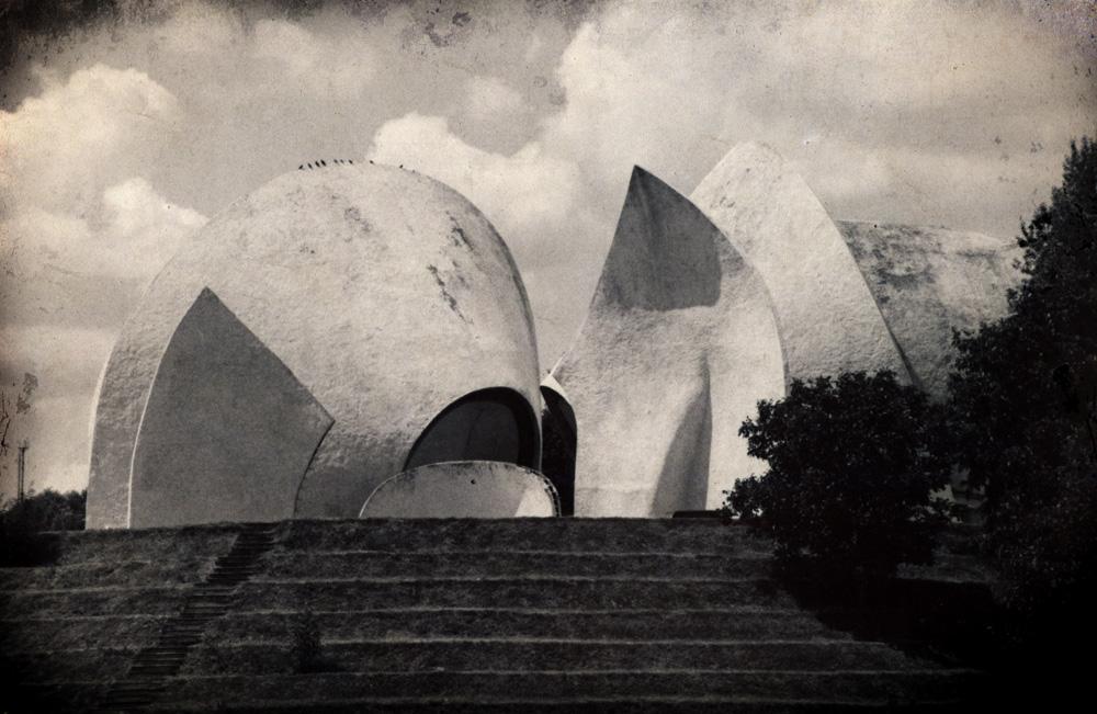 Крематорий на Байковой горе, Киев. Архитектор — А. Милецкий, концепция, дизайн, архитектурная пластика — А. Рыбачук, В. М